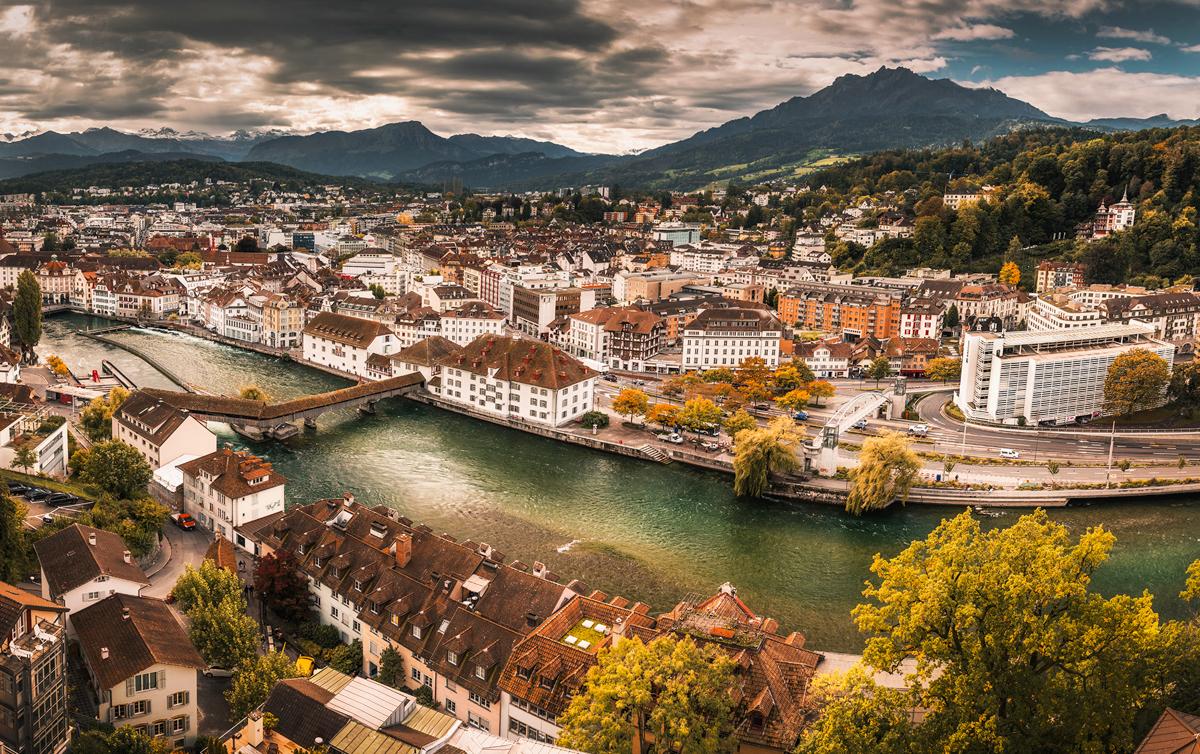 Lucerna – najpiekniejsze miasto Szwajcarii. Co warto zobaczyć w Lucernie?