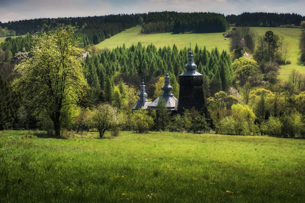Drewniane cerkwie Beskidu Niskiego. Cerkiew św. Łukasza w Leszczynach.