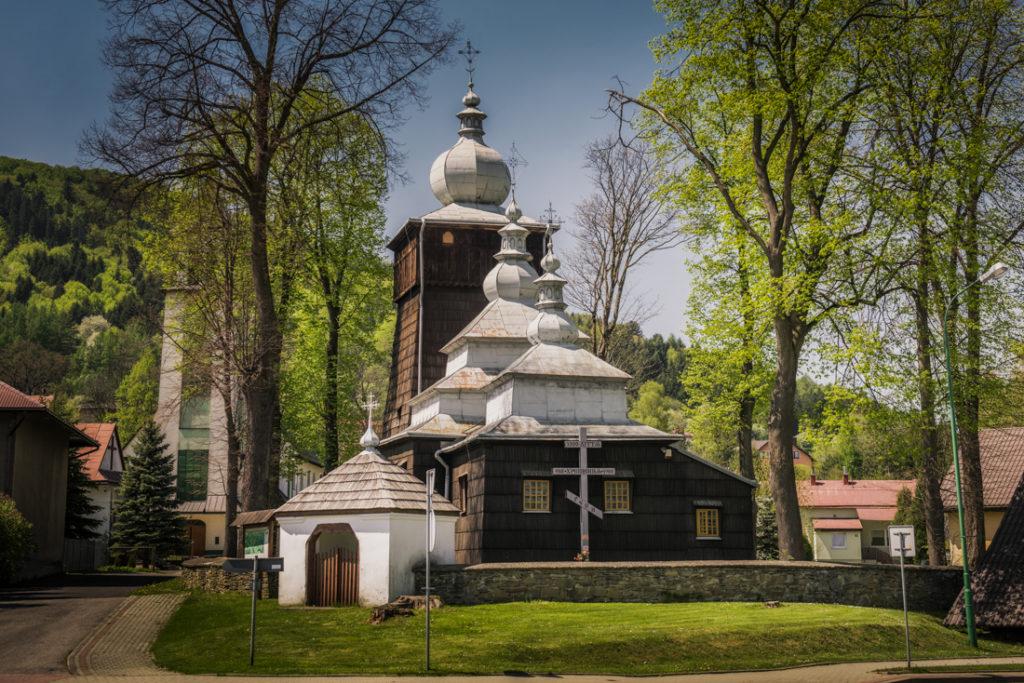 Drewniane cerkwie Beskidu Niskiego. Cerkiew św. Paraskewy w Uściu Gorlickim.