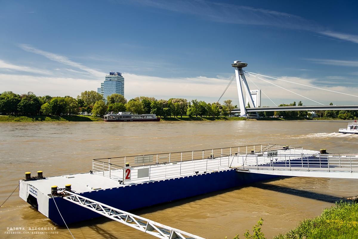 Co warto zobaczyć w Bratysławie w godzinę - Most UFO SNP - Most Słowackiego Powstania Narodowego, największe atrakcje Bratysławy, Stare Miasto, trasa do Chorwacji, samochodem na Bałkany