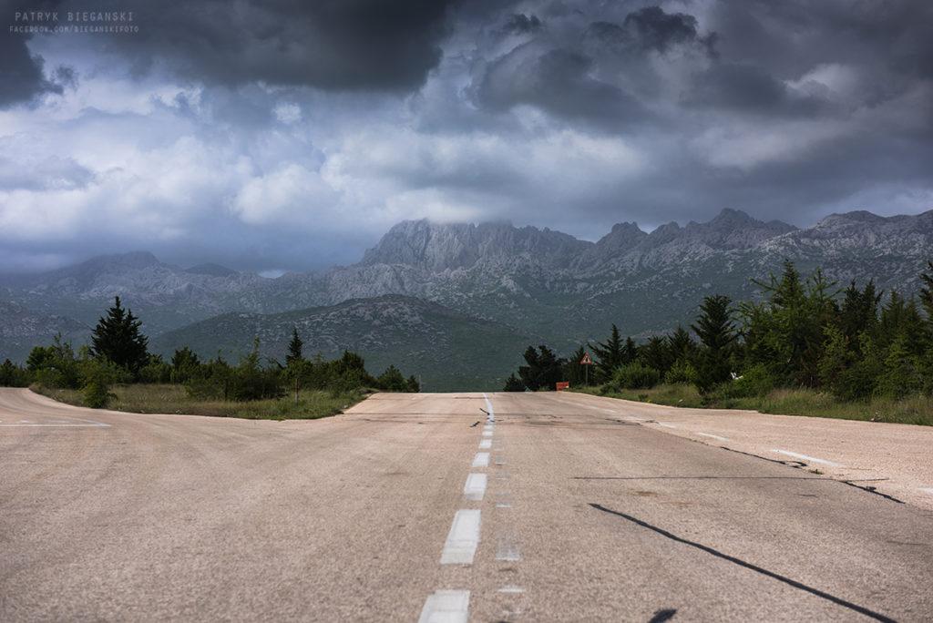 Wybrzeże Chorwacji, co warto zobaczyć w Chorwacji, atrakcje Bośni i Hercegowiny, co warto zobaczyć w Bośni i Hercegowinie - Park Narodowy Paklenica - góry Welebit. Podróż przez Bałkany samochodem.