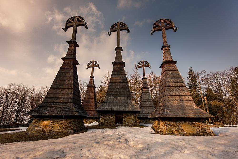 Największe atrakcje Beskidu Niskiego - co warto zobaczyć w Beskidzie Niskim. Cmentarz Wojenny Nr 51 Rotunda