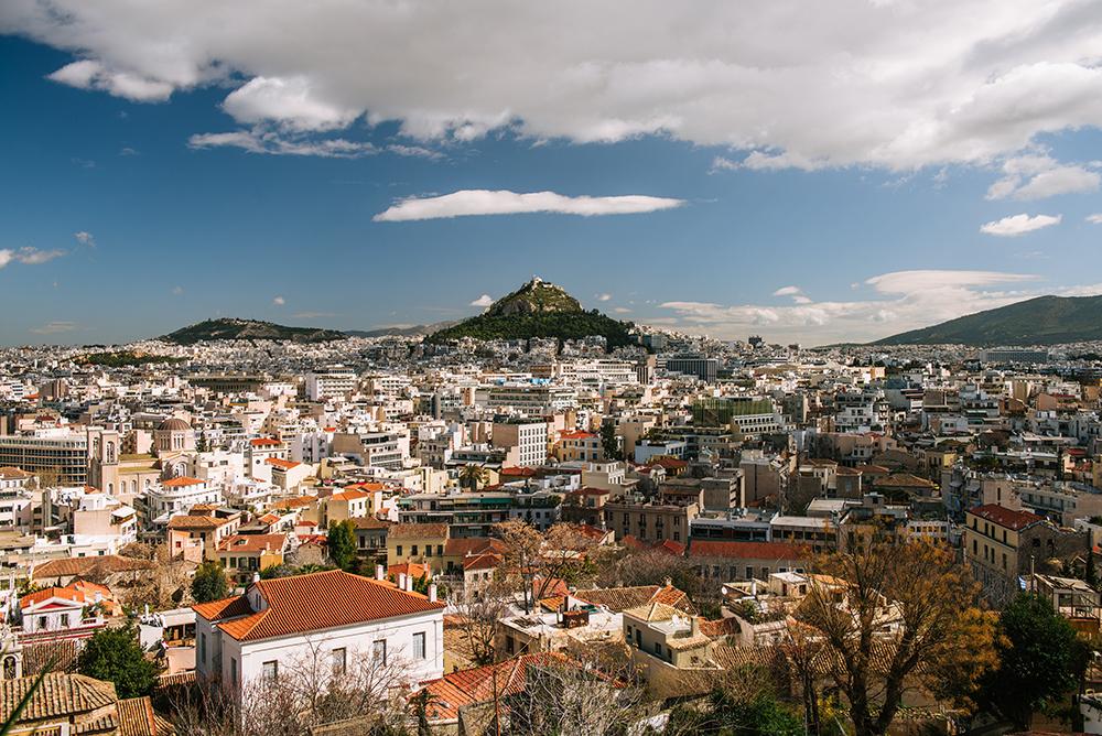 Największe atrakcje Aten. Co warto zobaczyć w Atenach - Panorama Aten z Anafiotiki