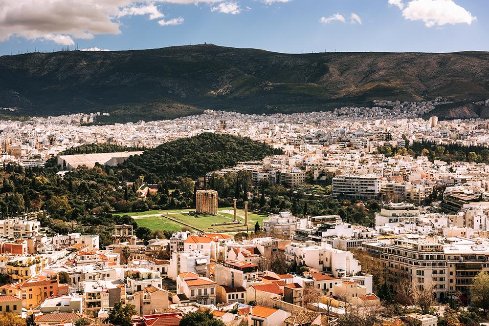 Największe atrakcje Aten. Co warto zobaczyć w Atenach - Świątynia Zeusa Olimpijskiego (Olimpejon)