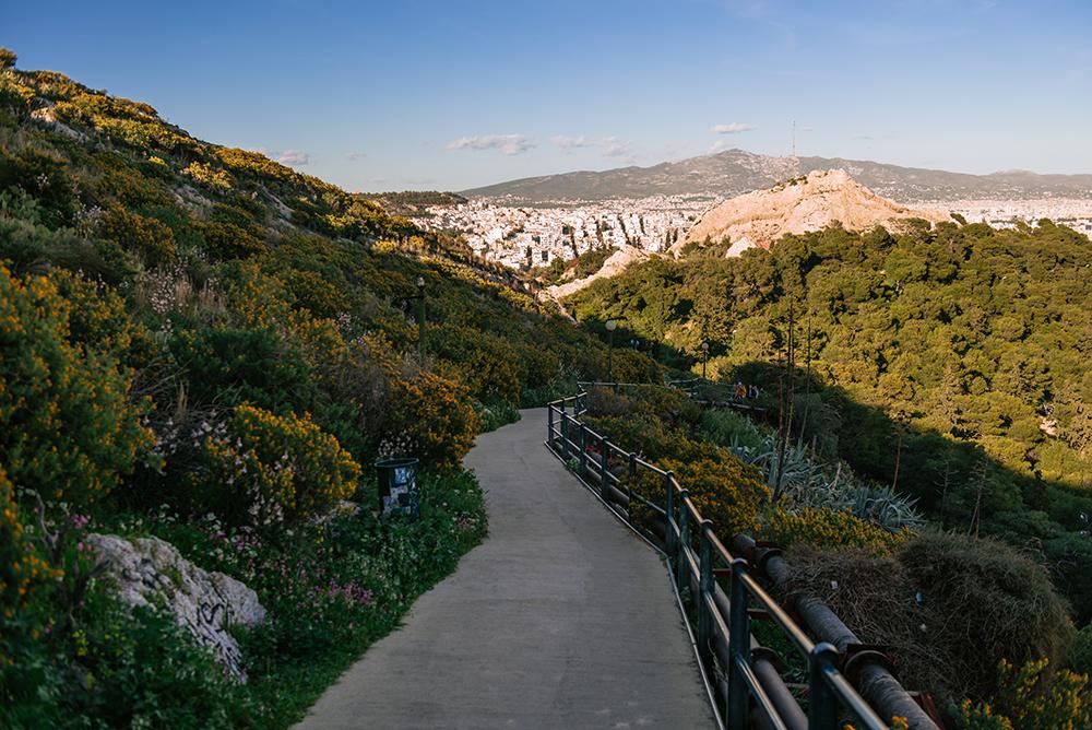 Największe atrakcje Aten. Co warto zobaczyć w Atenach - szlak pieszy na Likavitos