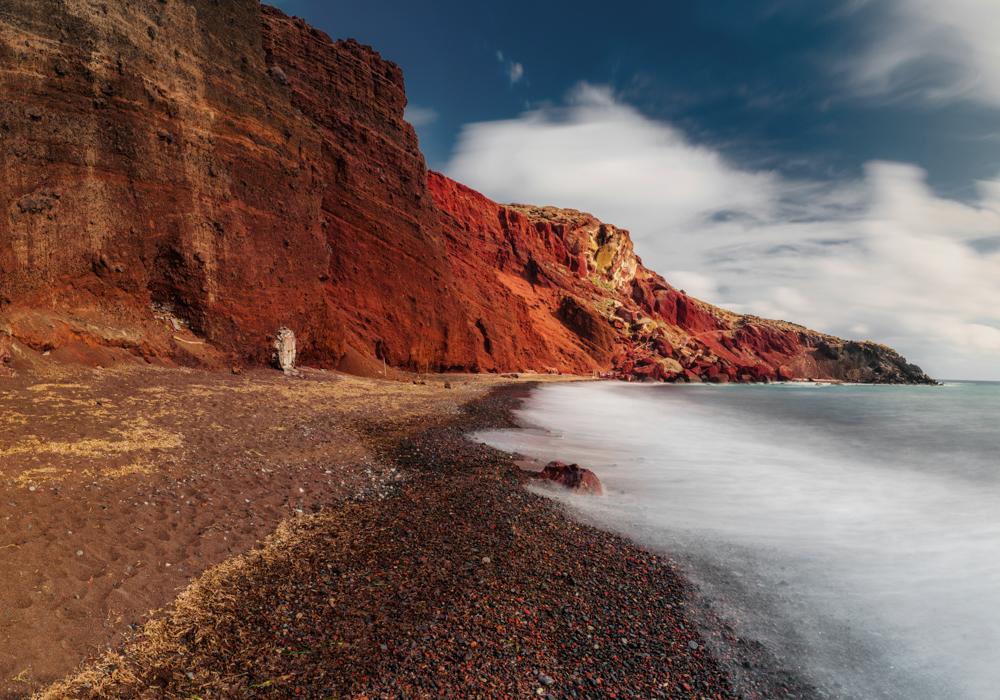 Największe atrakcje Santorini. Czerwona plaża.