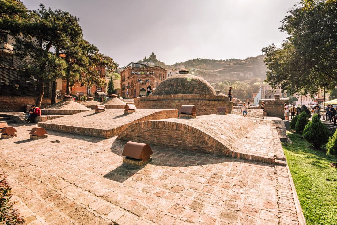 Największe atrakcje Tbilisi, co warto zobaczyć w Tbilisi? Abanotubani
