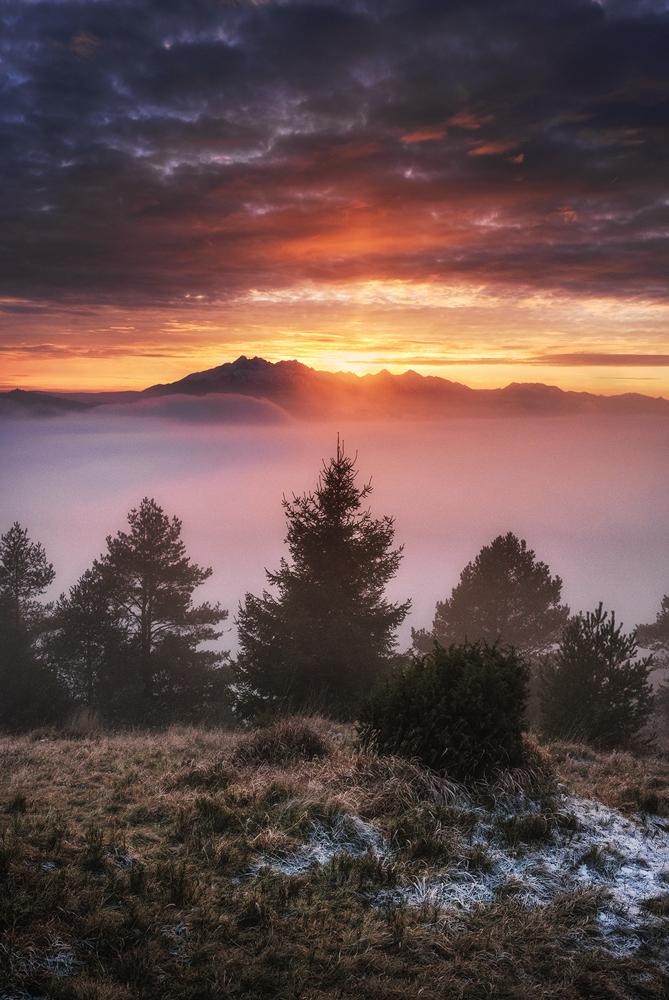 Morze mgieł i zachód słońca, Wysoki Wierch, Pieniny.
