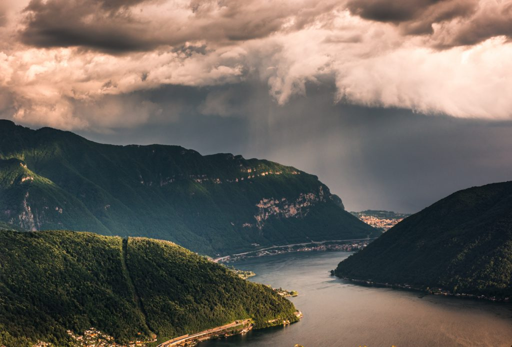 Widok na Lago Lugano z Monte San Salvatore