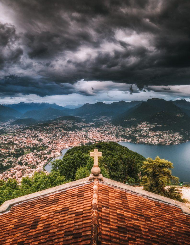 Co warto zobaczyć w Ticino - panorama z Monte San Salvatore