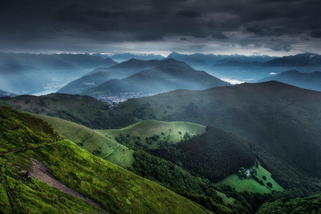 Panorama ze szczytu Monte Generoso, co warto zobaczyć w Ticino