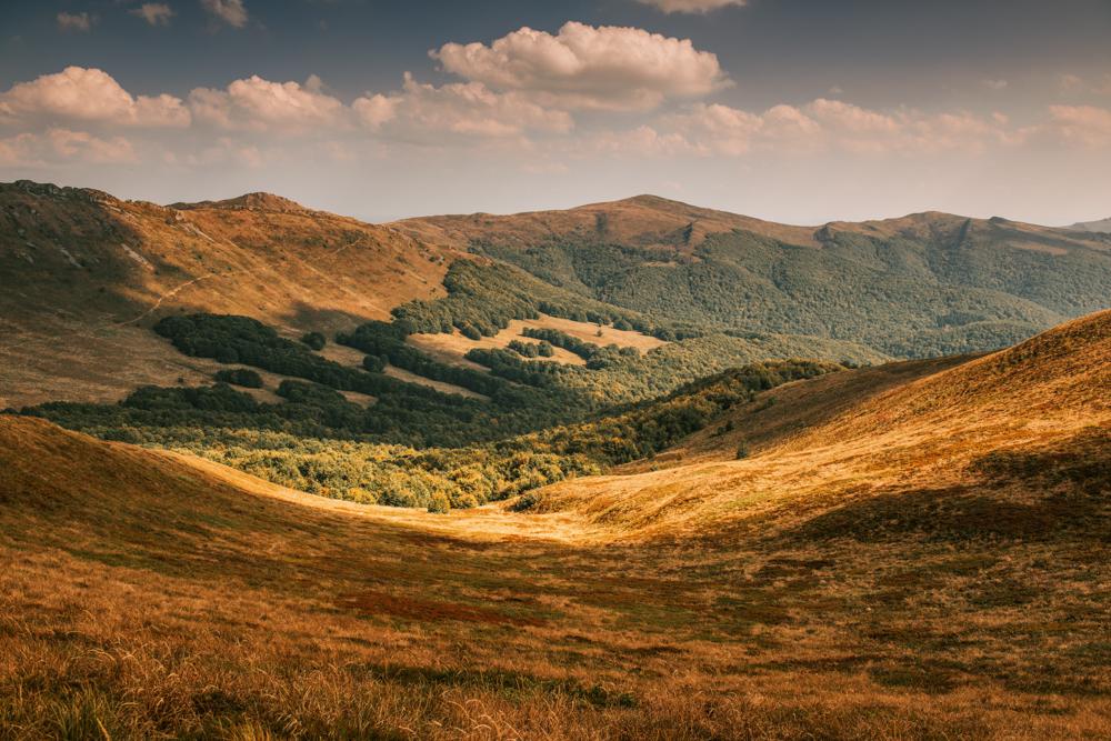 Co warto zobaczyć w Bieszczadach - najpiękniejsze szlaki w Bieszczadach - panorama z Tarnicy.