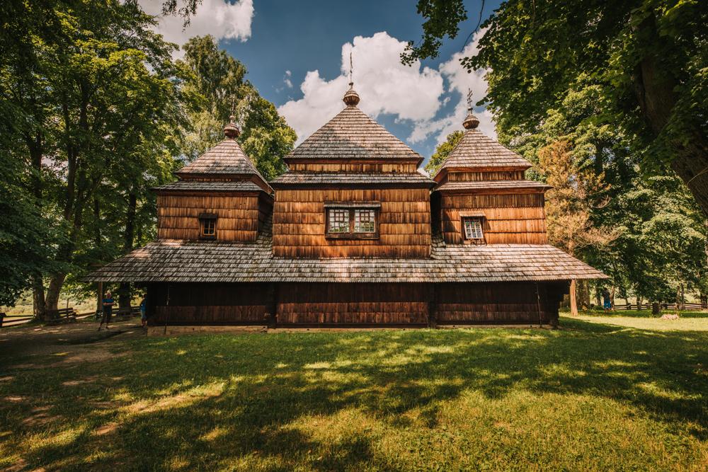 Drewniane cerkwie w Bieszczadach - bojkowskie cerkwie. Co warto zobaczyć w Bieszczadach.