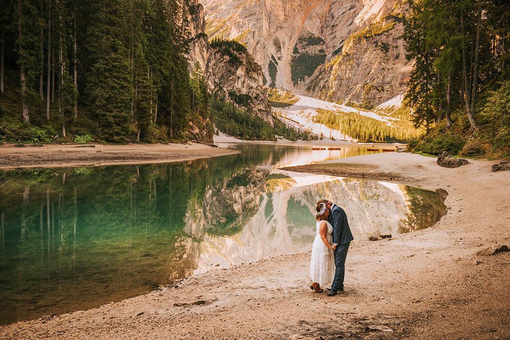 sesja ślubna nad lago di braies, plener ślubny w Dolomitach