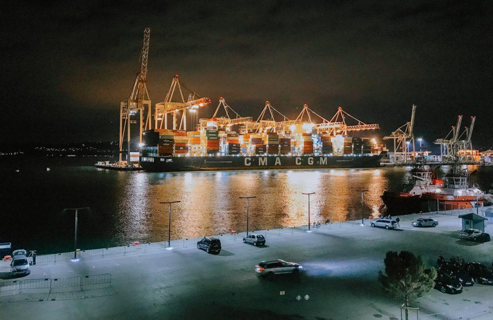 port handlowy i przeładunkowy w Koprze w Słowenii
